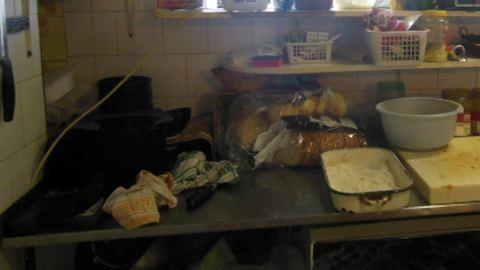 Egértetem mellett tárolták az élelmiszert egy budapesti étteremben