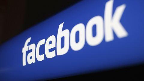 Ingyen repülőjeggyel vernek át a Facebookon