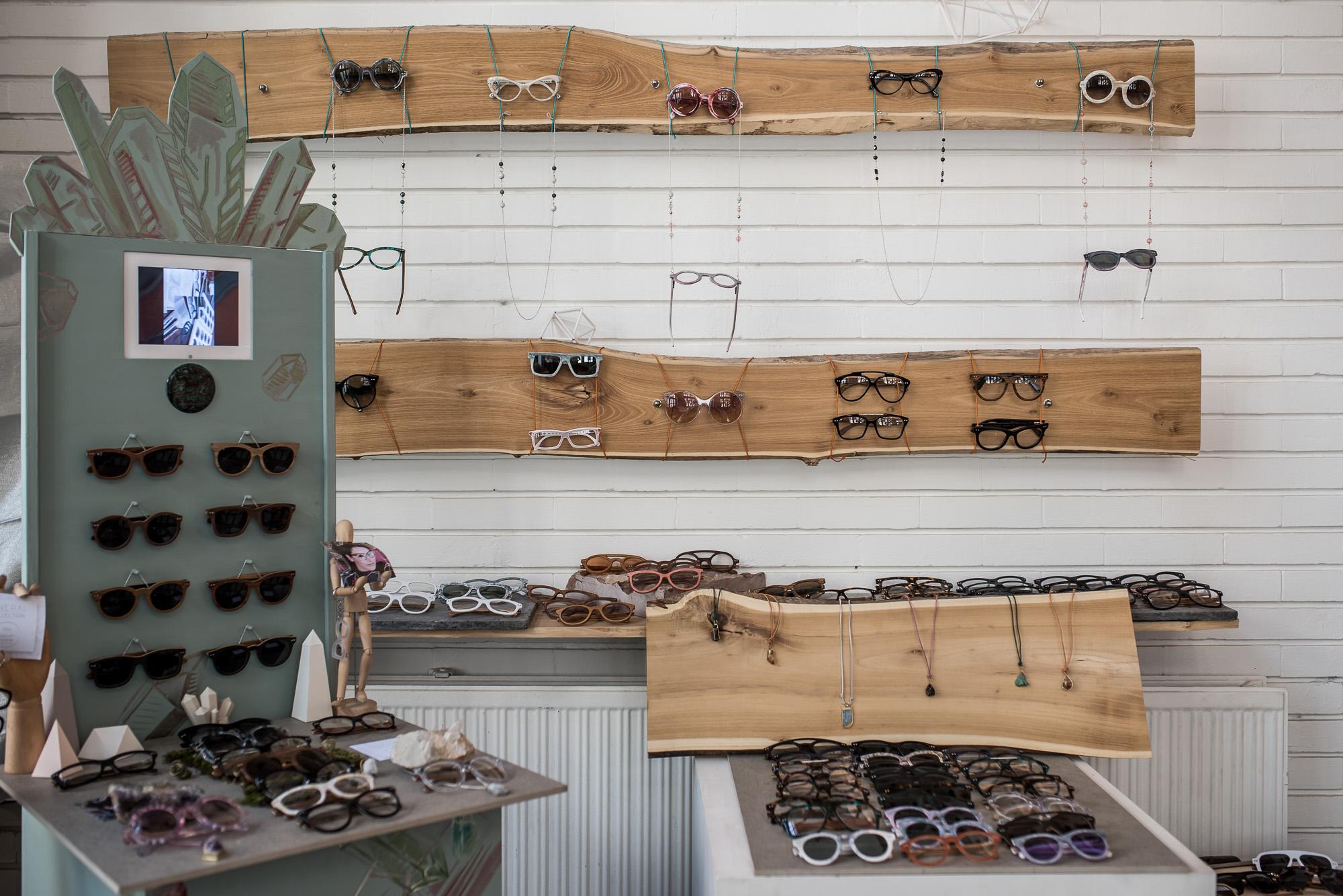 Így készülnek Budapesten a világ legmenőbb napszemüvegjei