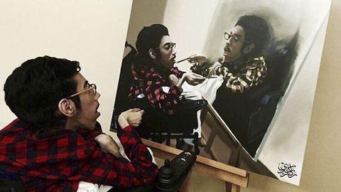 A mozgáskorlátozott művész bebizonyítja, hogy semmi nem lehet akadály