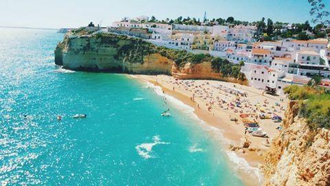 5 kevésbé ismert, de szuper romantikus tengerpart idén nyárra