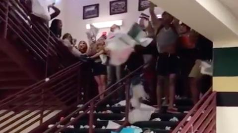Ezeknél a diákoknál még senki nem örült jobban a vakációnak – videó