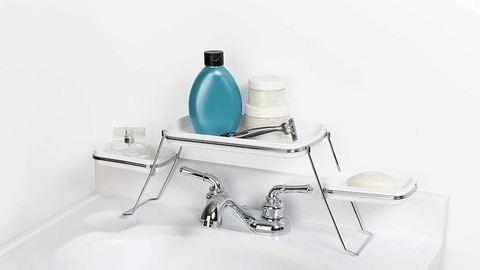 Nincs több kihasználatlan hely a fürdőszobában – 7 okos tárolási ötlet