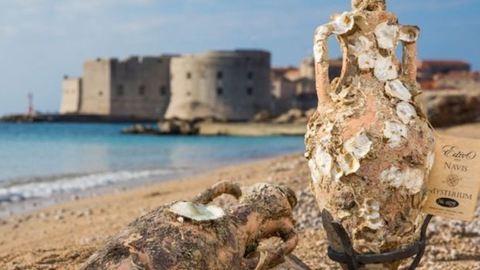 A tenger alatti borospince a borkedvelő sellőlányok valóra vált álma