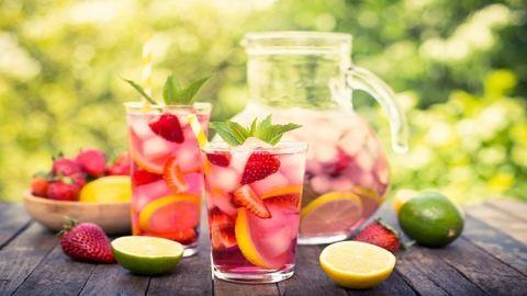 Variációk hűsítő gyümölcsös limonádéra