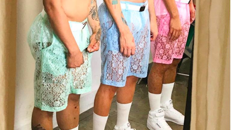 Átlátszó, csipkés rövidnadrágot terveztek férfiaknak