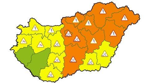 Narancssárga riasztás éjfélig, durva viharok jönnek