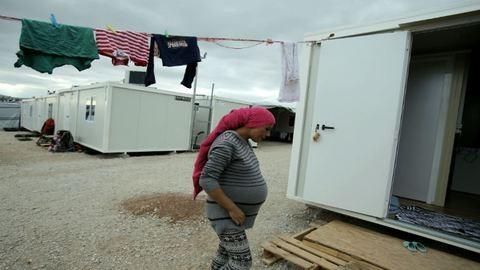 Országos bűnszövetkezet használja ki a terhes menekült nőket Németországban