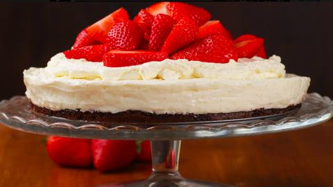 Álmaink netovábbja ez az epres–brownie-s sajttorta