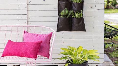 7 dekorációs ötlet, amit idén nyáron bevethetsz a teraszon és a kertben