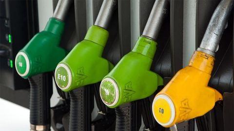 Felcserélték az üzemanyagokat a benzinkúton, jöhet a kártérítés