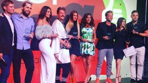 Meglepő ruhák az első magyar JOY Social Media Awardon
