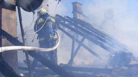 Öt lakásból három teljesen kiégett Visegrádon – fotók