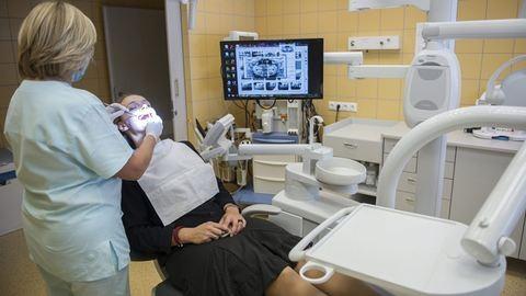 Nem tudom, ilyen fogakkal hogyan bír bárki is csókolózni – kifakad a fogorvos