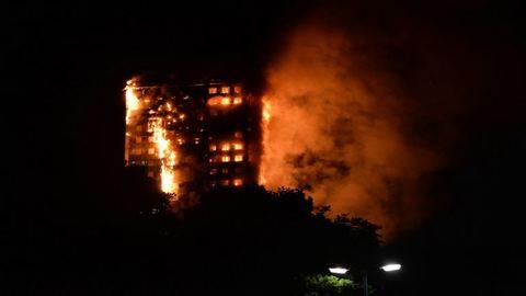 Londoni tűzvész: emberek égtek halálra a toronyházban