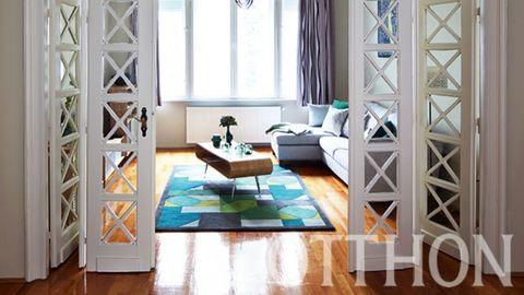 Nézz be egy londoni pár budapesti lakásába!