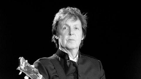 Ez történik ma, Paul McCartney szülinapján