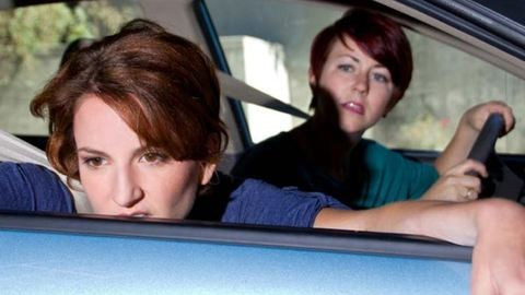 Még az autóban is tengeribeteg vagy? – Tippek utazási betegség ellen