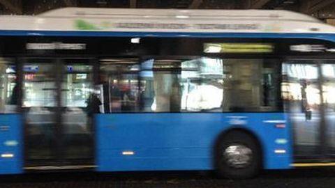 Árokba hajtott egy utasokkal teli busz Budapesten