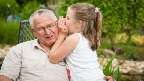 Facebookon keres nagyszülőket egy pécsi család