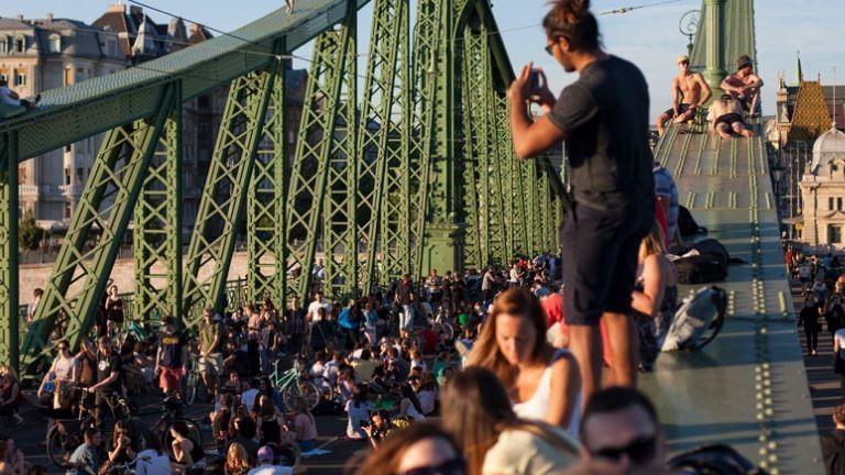 Kezdődik a kétnapos fieszta a Szabadság hídon