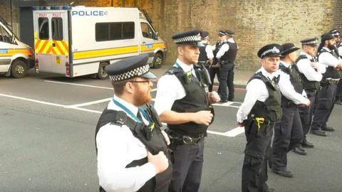 Mecsetből távozó muszlimok közé hajtott egy furgon Londonban, sok sérült