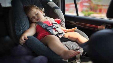 Tűző napon hagyta a kocsiban a gyerekét a vásárolni induló anyuka