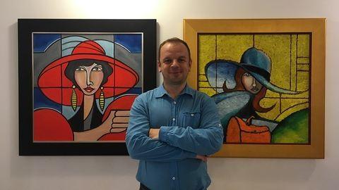 Betonkeverő segédmunkásból lett világhírű festőművész László