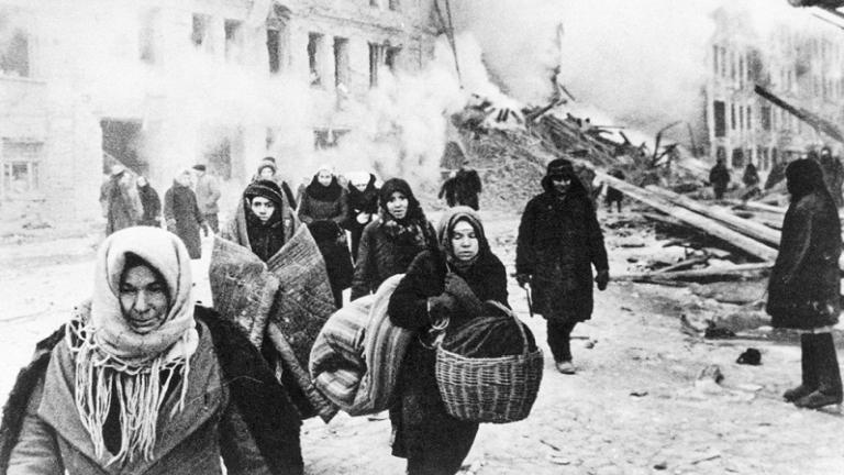 Leningrádi nők az ostrom alatt