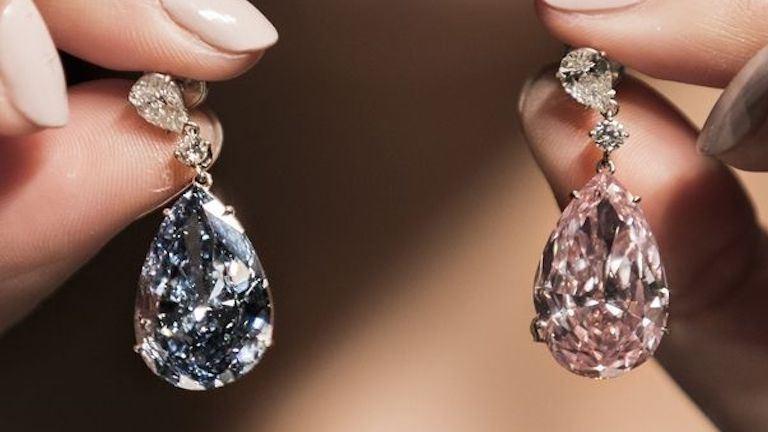 15 milliárdért kelt el a világ legdrágább gyémánt fülbevalója