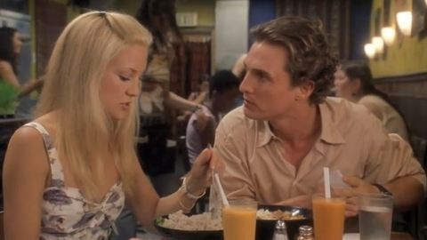 11 jel, hogy olyan pasival randizol, aki nem neked való