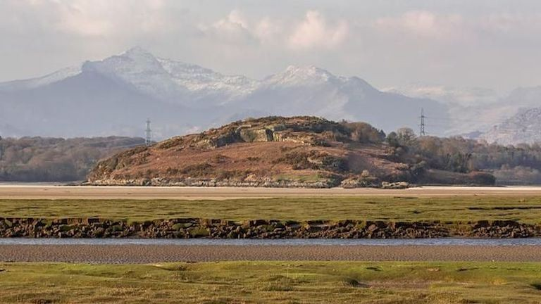 Bárki kiveheti ezt a vadregényes walesi szigetet