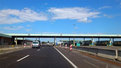 Kaptunk Ausztriától egy autópályát, de nem kezdünk vele semmit