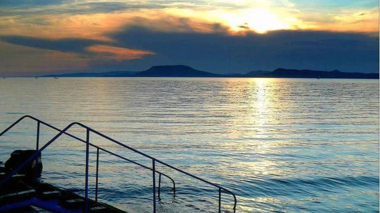 Vészhelyzet: kizsigerelik a horgászok a Balatont