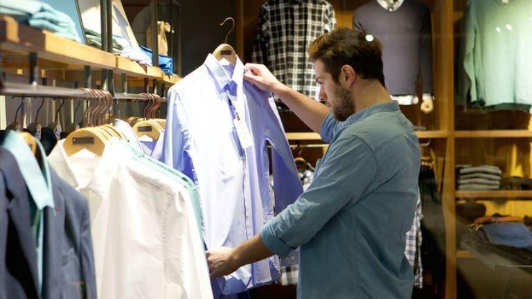 Lökdöste és durván megalázta az egyik vásárlót a Váci utcai H&M biztonsági őre