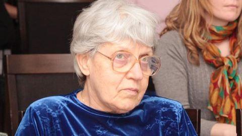 Elhunyt Dévény Anna