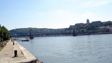 Gyerekek merültek el a Dunában Budapesten