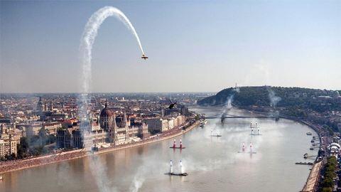 Lebénítja Budapestet a repülő cirkusz