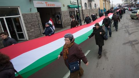 Harmadszor lesz magyar állampolgár egy 99 éves asszony