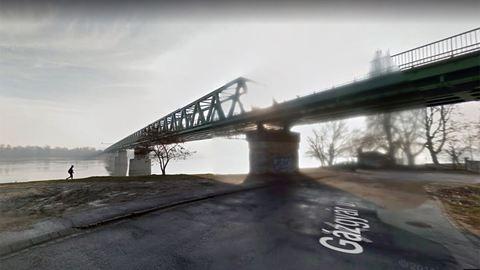 Öngyilkost mentettek a rendőrök egy budapesti hídról