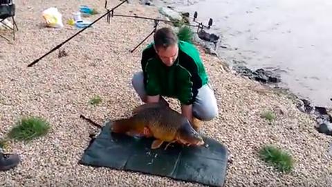 A felvágós horgász kezeiből menekült meg a mázlista hal