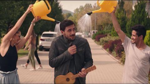 Szabó Kimmel Tamás romkocsmát nyit – új előzetest kapott a Pappa Pia