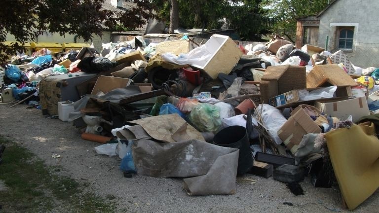 Zugló polgármestere is kiakadt a lomtalanítás miatt