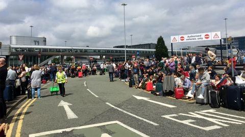 Kiürítették a repteret: mindenkit evakuáltak az épületből