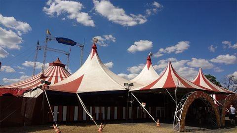 Elüldöznék a cirkuszt Balatonalmádiból