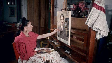 Különleges fotók Frida Kahlóról, aki idén lenne 110 éves