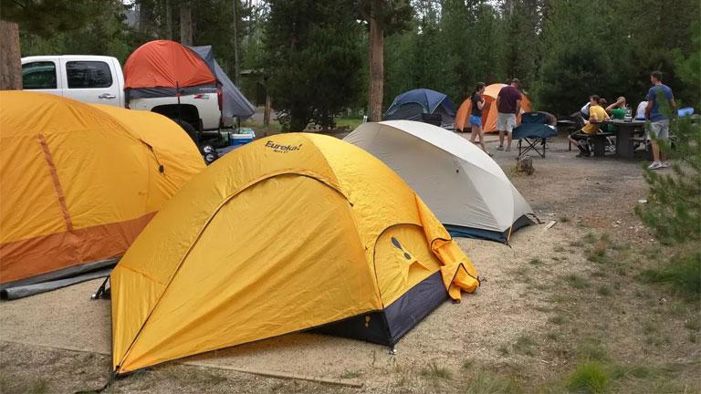 A támadás a Glacier View Ranch egyik táborhelyén történt (Fotó: Tumblr)