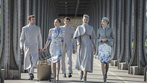 Kifutóra illenének a kínai légitársaság új egyenruhái