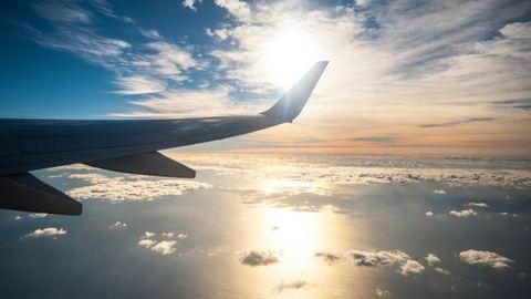 Álommeglepetés a repülőn: a levegőben jegyezte el párját a magyar férfi