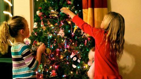 Gyűlhetnek az aláírások, munkaszüneti nap lehet december 24-e
